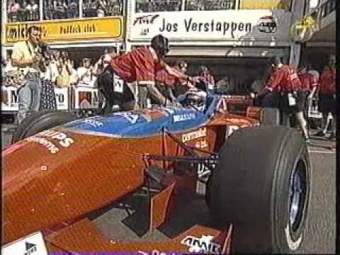 Demo van Jos Verstappen in de Arrows Hart op het circuit van Zandvoort tijdens de Marlboro Masters 1996. Recordpoging snelste ronde circuit Zandvoort.