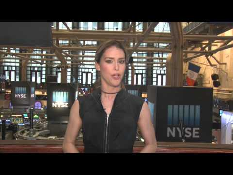 04/26: US stocks volatile, oil rallies again (12:18ET)