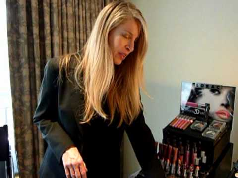 Lorac's Carol Shaw talks about Red Carpet Essentials at the London Hotel Oscar Suite