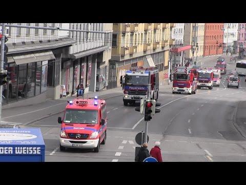 Löschzug + ELD BF Augsburg FW 1 mit Dauerhorn durch Innenstadt