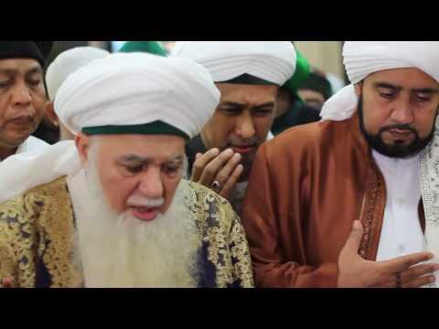 Habib Syech - Tola'al Badru Alaina  (Pesantren Daarul Ishlah June 19 2014)