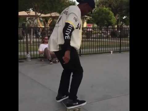 Cherry line @robertneal_ 🎥: @bmoya1991 | Shralpin Skateboarding
