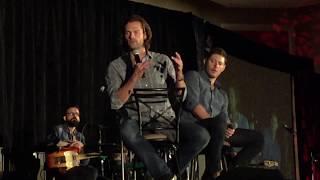 download lagu Supernatural Convention Chicago 2017 Jared & Jensen Panel gratis
