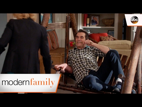 Phil's Romantic Surprise - Modern Family 8x12