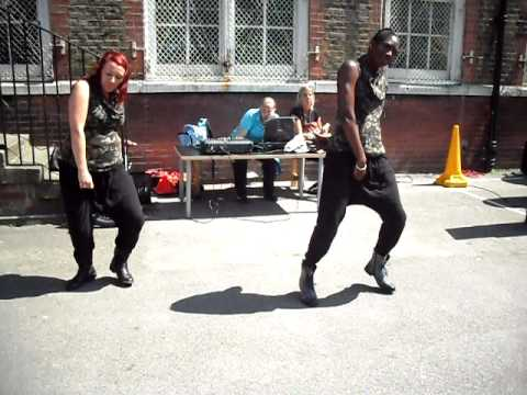 Eclectic dance performing at Ambler school fete 2011