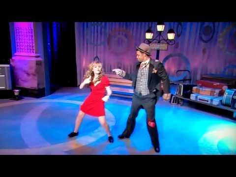 iCarly - Sam dances