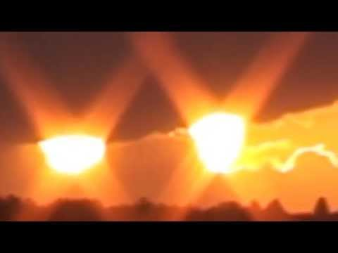 Two Suns in the sunset / ORIGINAL AUG  23 2010 UK