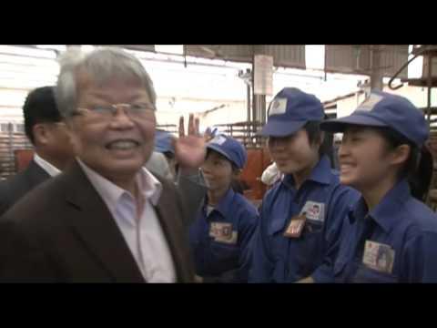 Nguyen chu tich nuoc Tran Duc Luong tham gom Dat Viet