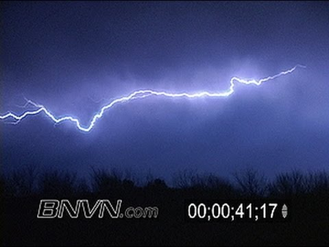10/29/2004 Lightning video at night and possible funnel cloud