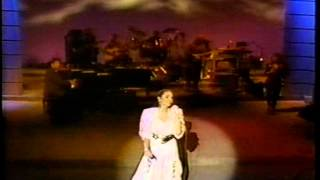 Watch Crystal Gayle River Road video