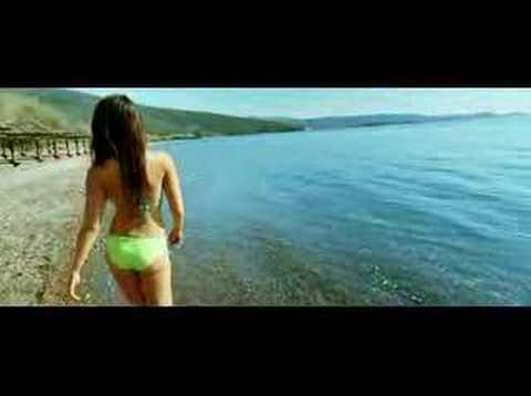 Kareena Kapoor Bikini video