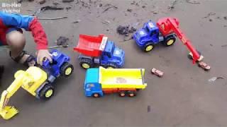 Trò chơi xe cẩu máy xúc, xe tải chở cát kết hợp đi nghịch nước và phi ngựa gỗ