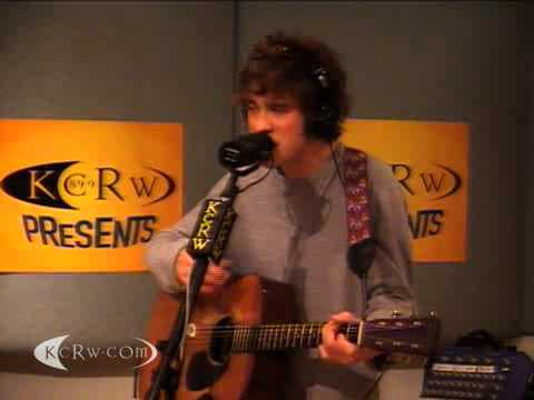 "MGMT performing ""Congratulations"" on KCRW"