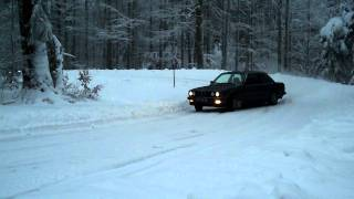 E30 snow drift   2
