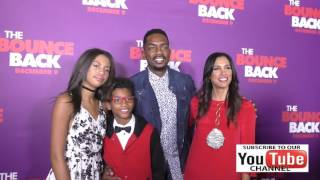 Bill Bellamy and his wife and kids at the Premiere Of Viva Pictures' The Bounce Back at the TCL Chin