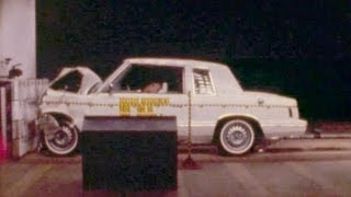 1982 Plymouth Reliant/Dodge Aries | Frontal Crash Test | NHTSA | CrashNet1