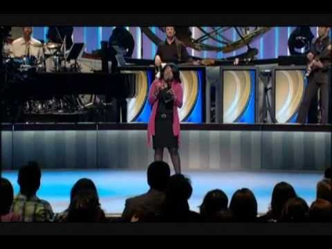 Lilly Goodman - El Mismo Dios @ Lakewood Church