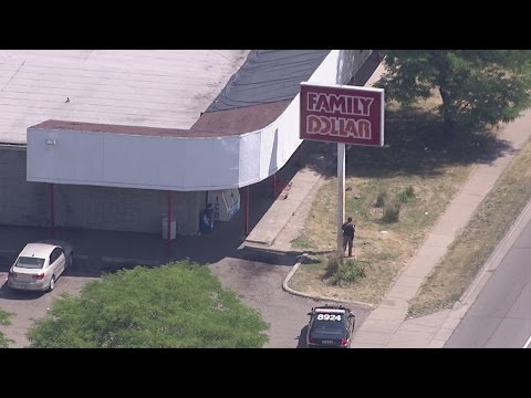 Deputies surround Family Dollar after armed robbery in Pontiac