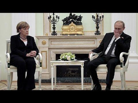 Angela Merkel rencontre Vladimir Poutine à Moscou pour relancer un processus de paix très…