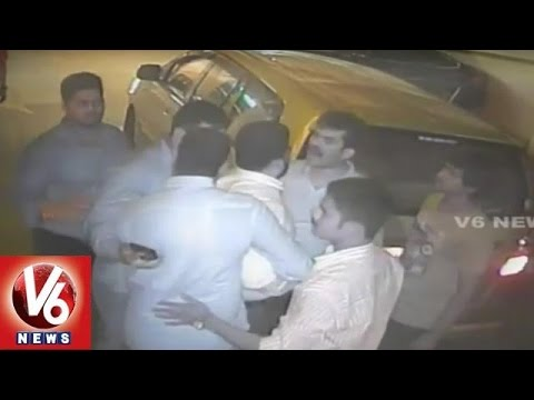 Actor Uday Kiran Misbehaved with Hotel staff | Facebook Movie  Hero | Raw Footage | V6 News