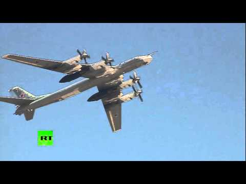 Aeroparade: Military planes flying over Moscow rooftops on Victory Day