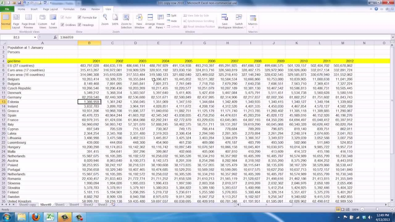 how to make excel cells move when scrolling