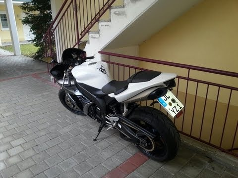 Yamaha R1 First Ride 2013
