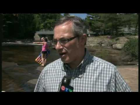 Tony Clement helps save drowning woman!