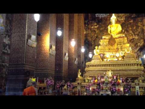 Wat Po, Bangkok – Monks Chanting