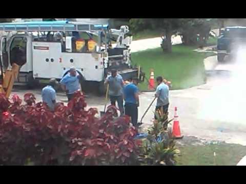 utilities workers in ashowtime