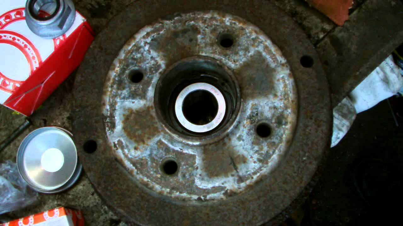Renault Clio Rear Wheel Bearing Replacment Youtube