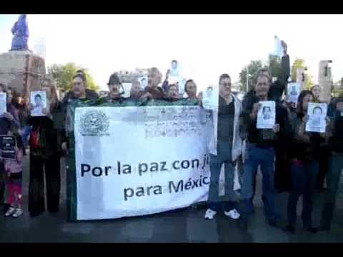 Se manifiestan por Ayotzinapa en Nuevo Laredo