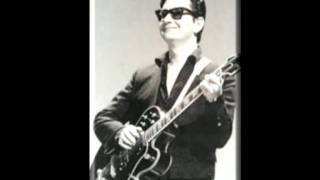 Watch Roy Orbison Cry Softly Lonely One video