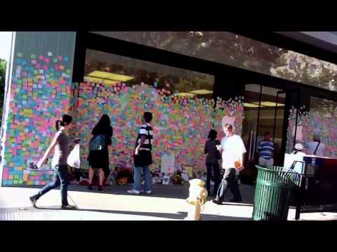 Steve Jobs memorialized at Palo Alto Mac Store