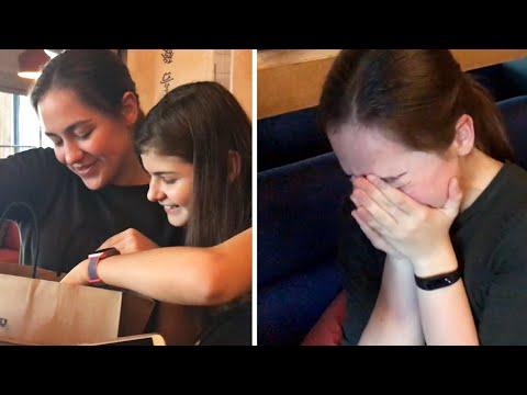 Заставила сестру плакать (сюрприз удался) Возвращаюсь из Америки Дарю подарки