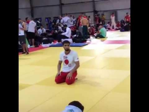 Хасан Халмурзаев за час до поединка на олимпиаде в Рио