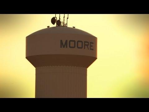 Rickie Fowler visits Moore, Oklahoma