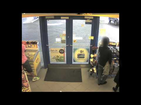 [2014-09-30] POLICE SEEK SUSPECT FOLLOWING A VIOLENT ROBBERY IN RICHMOND HILL
