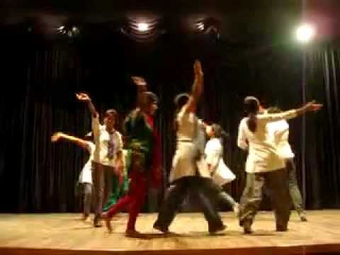 suno gaur se duniya walo.flv (the name of film is hindustani...