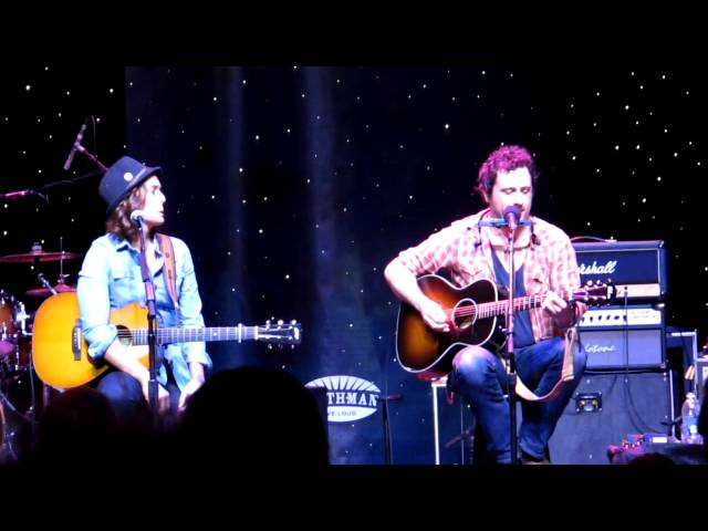 Will Hoge singing Silver or Gold (a song written for Taylor Swift)