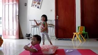 Kinan dan Aira danced baby shark's song