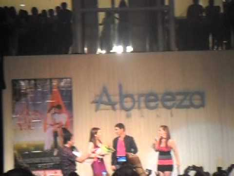 Coco Martin and Angeline Quinto Kiss sa Lips @ Abreeza Mall Davao