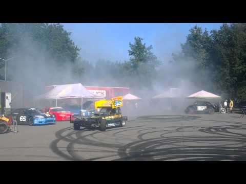 Cafe De Elze - Brisca F1 600+ BHP doing some donuts @ Cafe De Elze Holland