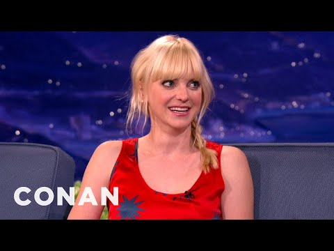 "Anna Faris: ""I Had A Barbie Whorehouse"""