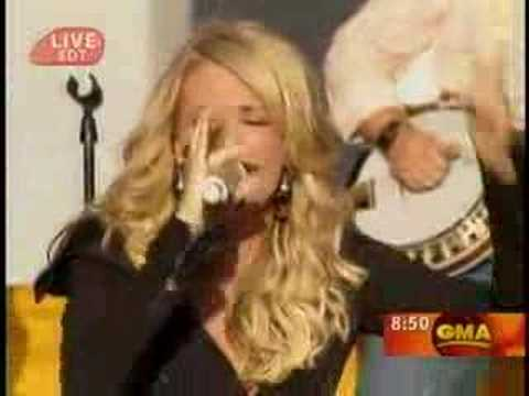 Carrie Underwood - Flat On The Floor