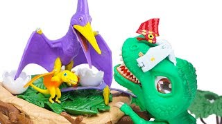 Dino Mecard Double Action Figure Tupandactylus Fell out of Nest! SD Tyrannosaurus Take Care of Him