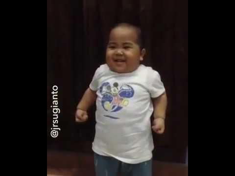 Download Lagu Video Lucu tatan goyang PPAP! MP3 Free