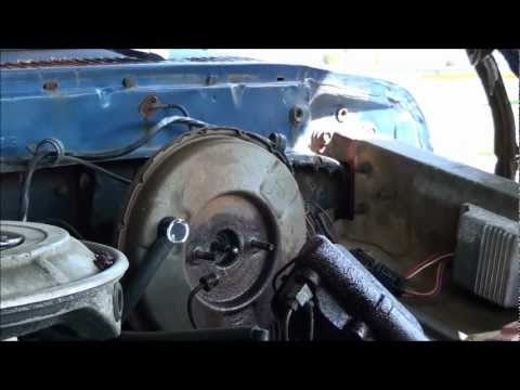 HOW TO REPLACE A BRAKE MASTER CYLINDER PART 1 OF 2 ON THE ...