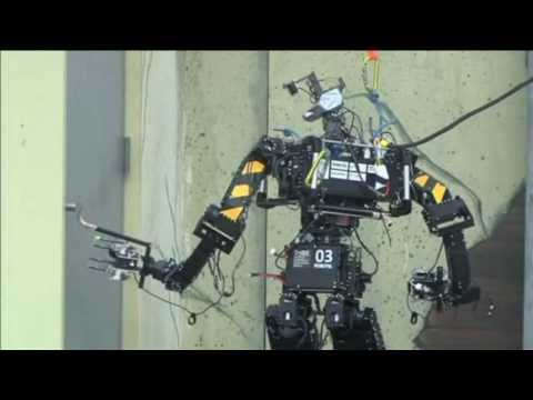 Robots From Around the World Battle Each Other for Domination
