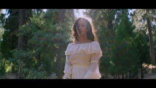 Faouzia - This Motain